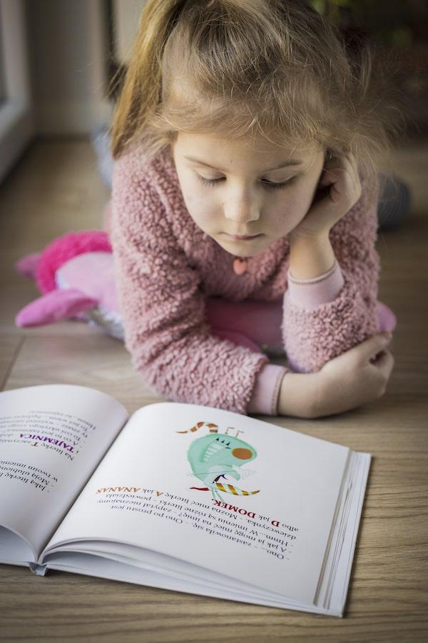 Jak zachęcić dziecko do czytania książek? - korzyści, jakie daje dzieciom czytanie książek