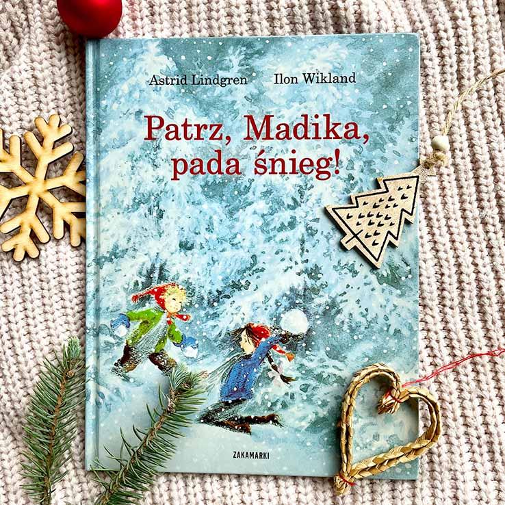 wzruszająca książka dla dzieci – Patrz, Madika pada śnieg
